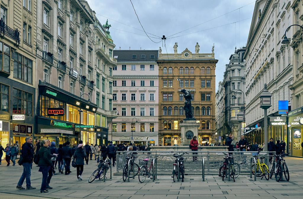Old Town Center Walking Tour Vienna Austria