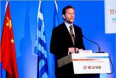 Ο υπουργός Πολιτισµού και Τουρισµού, Παύλος Γερουλάνος, κατά την οµιλία του στο χθεσινό  ελληνοκινεζικό επιχειρηµατικό φόρουµ στην Αθήνα