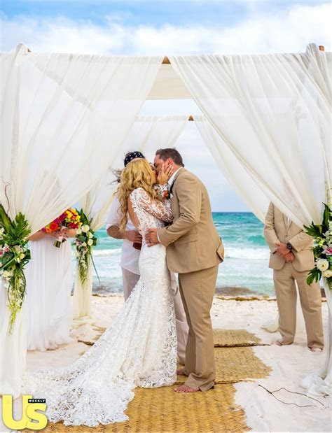 Sealed With a Kiss   Jason Aldean and Brittany Kerr's