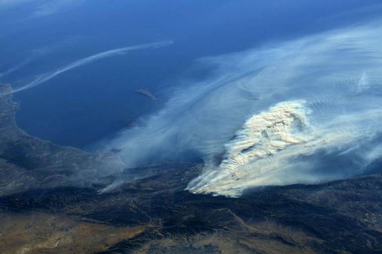 Incendio en California desde la EEI