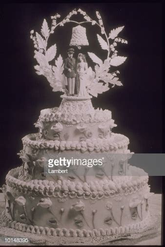 Three Tiered Wedding Cake 1940s Stock Photo   Getty Images