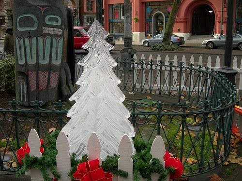 2007-12-15 Pioneer Square Ice Sculpture