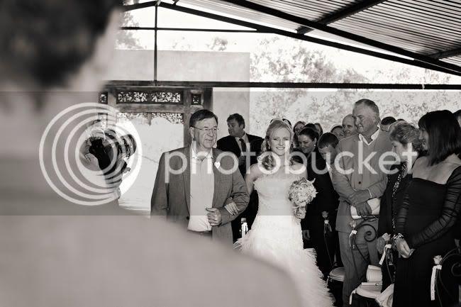 http://i892.photobucket.com/albums/ac125/lovemademedoit/PARRY_Ceremony_099.jpg?t=1319741453