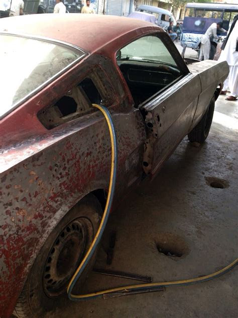 hot wheels karachis car wizard brings  mustang
