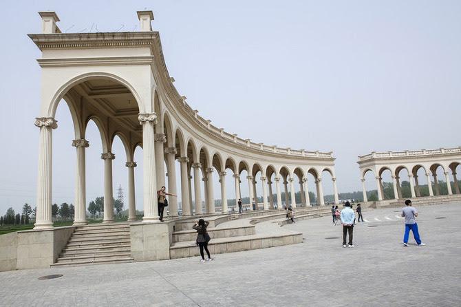 perierga.gr - Οι διάσημες αρχιτεκτονικές... ρεπλίκες της Κίνας!