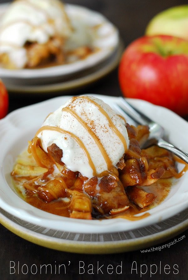 Bloomin Baked Apples