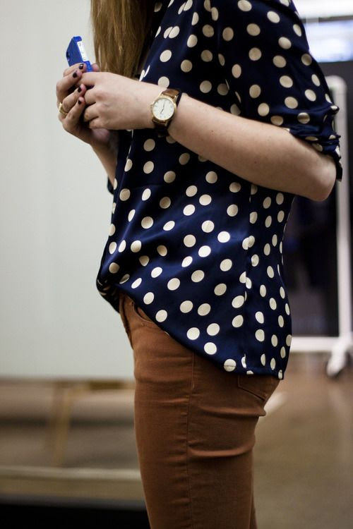 love the color of the pants - goes great with navy.