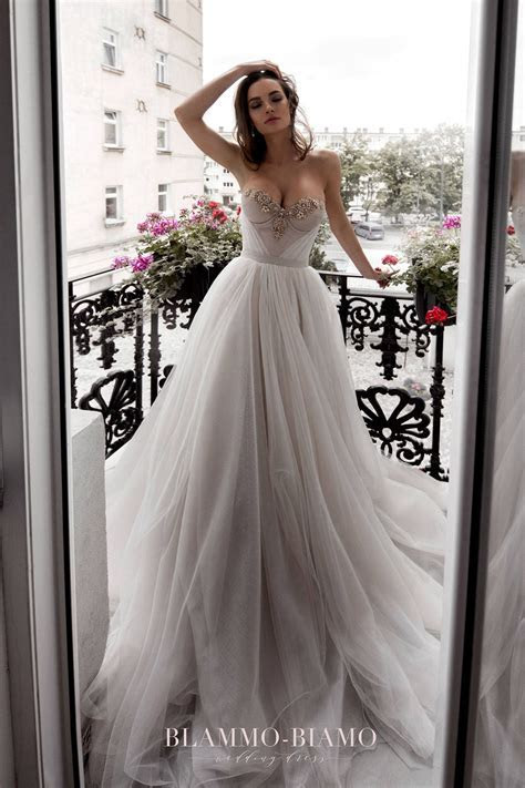 Wedding Dresses for Neat Hourglass Shaped Brides   Formal