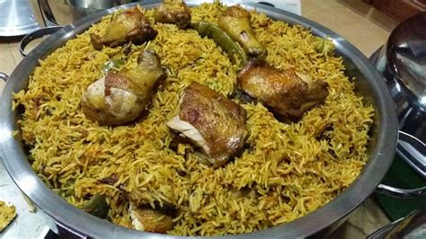 zulfaza loves cooking nasi kabsa ayam  kambing
