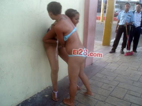 pelea de prostitutas desnudas buscando prostitutas