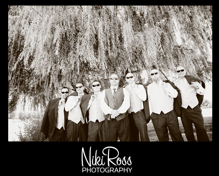 groomsmen-willowtree-shades