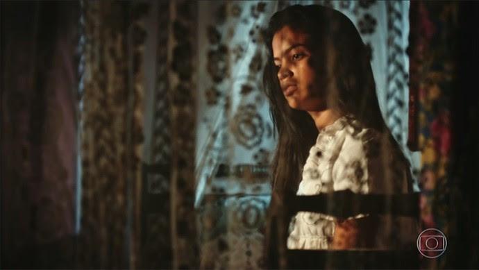 Isabel critica atitude da irmã (Foto: TV Globo)