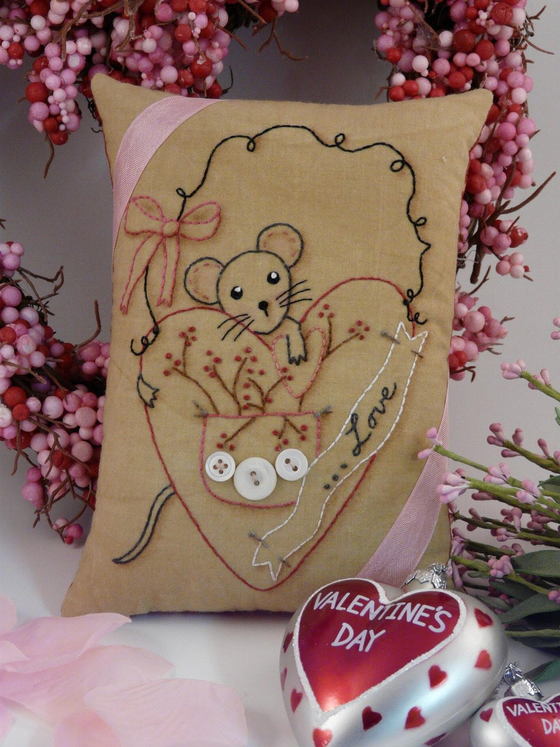 new 2011 Valentine Love Mouse Heart E Pattern - email Pdf  primitive stitchery embroidery pillow pinkeep tag pin cushion tuck