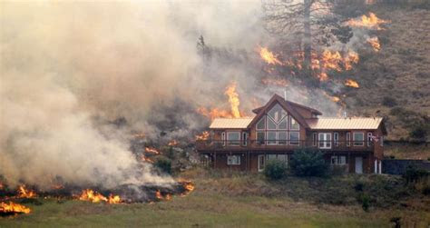 washington state house narrowly survives raging wildfires