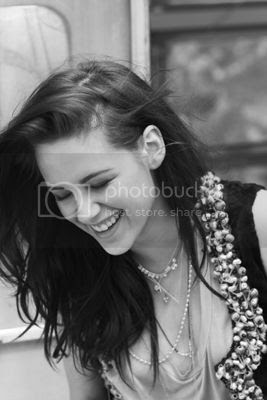 photo KstewartfansNEWELLEFRANCE3_zpse881ea13.jpg