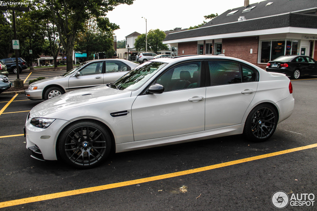 BMW M3 E90 Sedan 2009 - 2 November 2013 - Autogespot