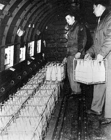 Ficheiro:Berlin Blockade Milk.jpg