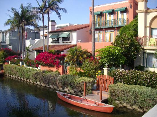 Photos of Venice Canals Walkway, Los Angeles