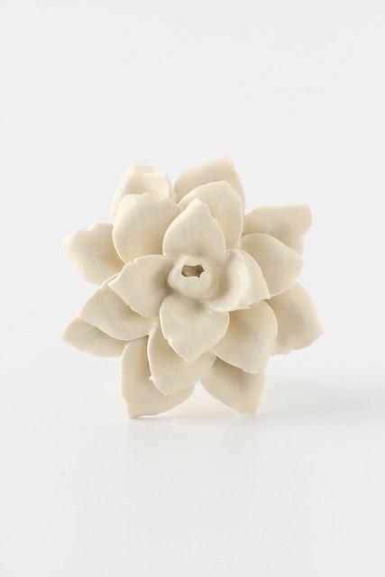 linen-flower-knob_anthropologie