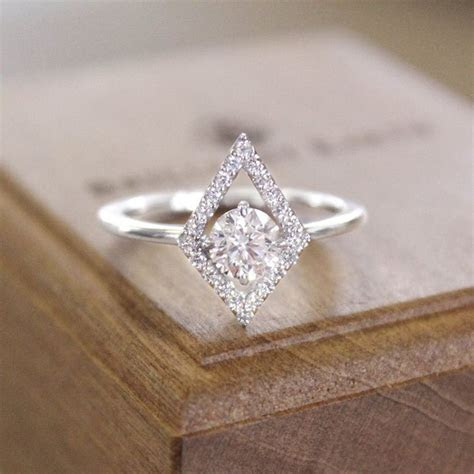 Engagement Rings That Are Unique   Psychic Bid
