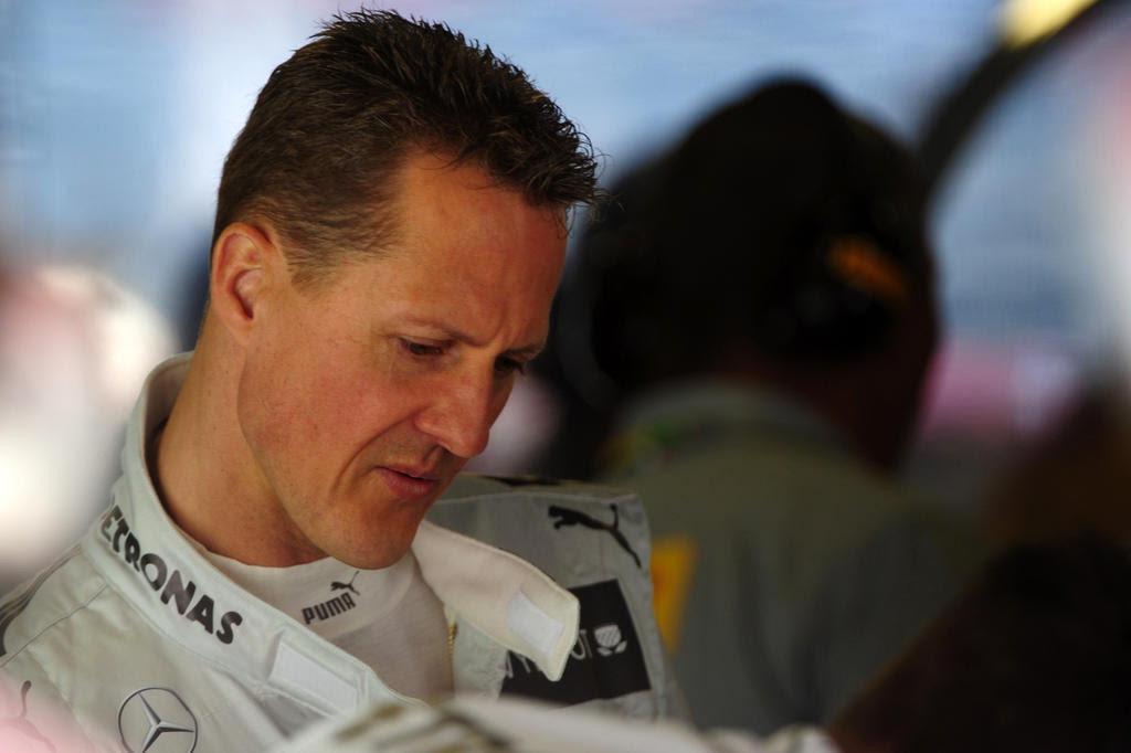 Schumacher está com menos de 45 quilos e consciência limitada, diz jornal DIMITAR DILKOFF/AFP
