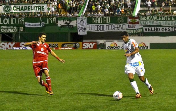 Chapecoense e América-RN (Foto: Junior Matiello / Futura Press)
