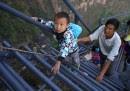 scala pericolosa bambini sichuan cina