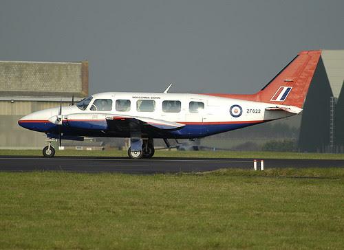 PA-31 ZF622 AT&E St Athan 011204