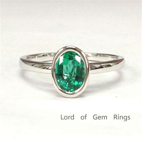 Solitaire 6x8mm Oval Cut Emerald Engagement Wedding Ring