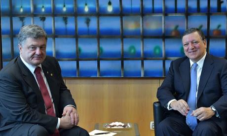 Petro Poroshenko e José Manuel Barroso reúnem-se em Bruxelas