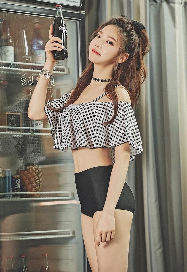 Park Jeong Yoon - 191230 - Frill Bikini