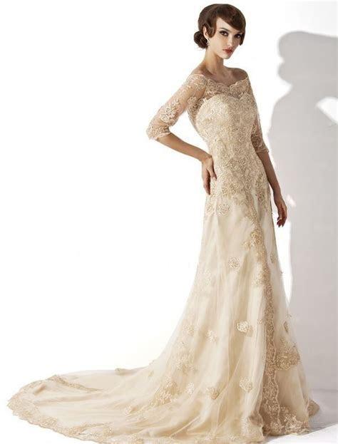 Ivory or champagne lace modern vintage.   Lace Vintage