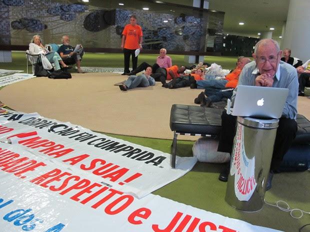 Grupo está acampado no Salão Verde desde terça e teve colchonetes apreendidos por seguranças (Foto: Fabiano Costa/G1)