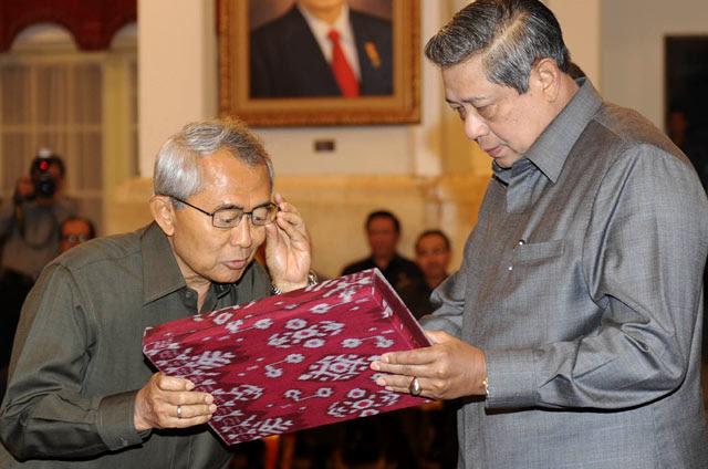 SBY Serahkan DIPA Tahun 2012