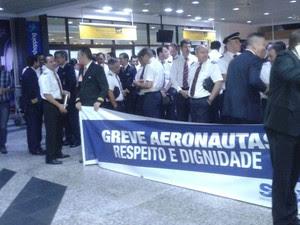 Paralisação afeta voos no Salgado Filho (Foto: Zete Padilha/ RBS TV)