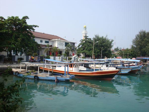 Kapal-kapal di Pulau Pramuka (dok. Putri/detikTravel)