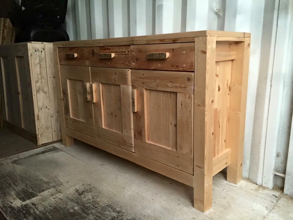 DIY Pallet Cabinet Unit | Pallet Furniture Plans