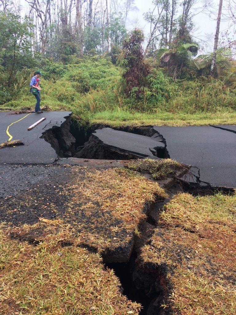 grietas de erupción volcánica kilauea, grietas erupción volcánica kilauea mayo 18 2018, nueva erupción volcánica kilaue fisura mayo 18 2018, actualización kilauea mayo 18 2018