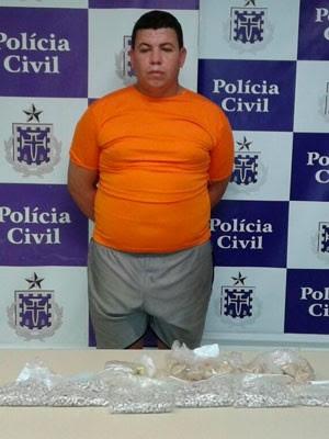 Mais de mil pedras de crack foram apreendidas com traficante de Cajazeiras (Foto: Divulgação/Polícia Civil)