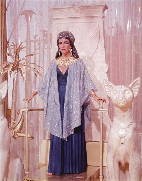 Elizabeth Taylor On Throne As 'Cleopatra'