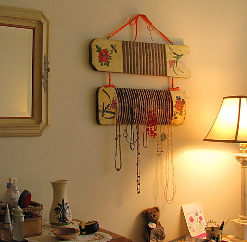 DIY repro wash board jewelry organizer