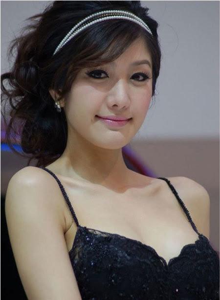 20110531155744 Sarunruk Sirirumpaivong7 Chiêm ngưỡng vẻ đẹp ao ước của nữ hoàng xế hộp Thái