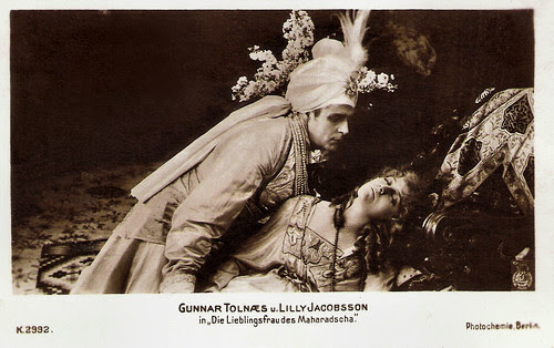 Lilly Jacobson and Gunnar Tolnaes in Maharadjahens Yndlingshustru