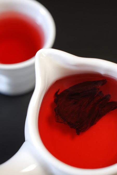 hibiscus tea© by Haalo