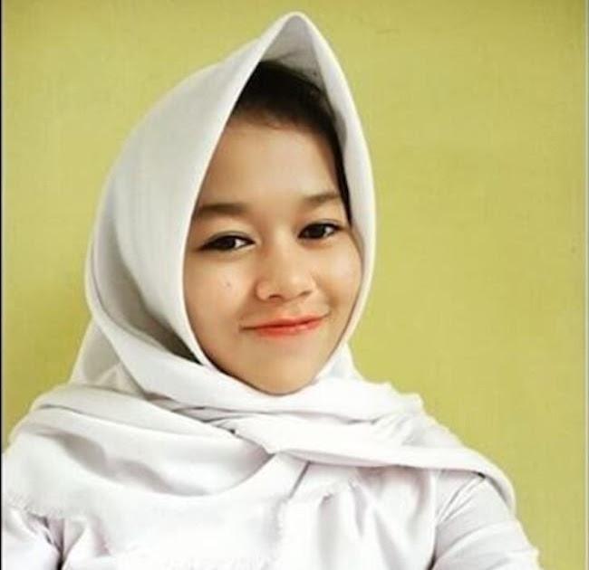 18+ Konsep Modis Gaya Anak Sma Muslimah