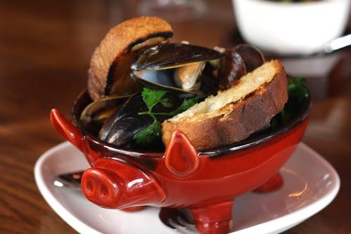 Mussels with Pancetta, Crème Fraiche & Marjoram