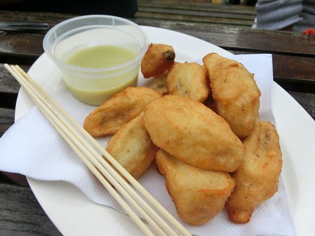 Banana fritters with creamy kaya fondue