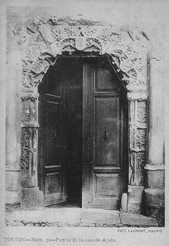 Fachada del Palacio de los Señores de Peromoro en su primitivo emplazamiento en la Calle del Instituto. Foto Laurent