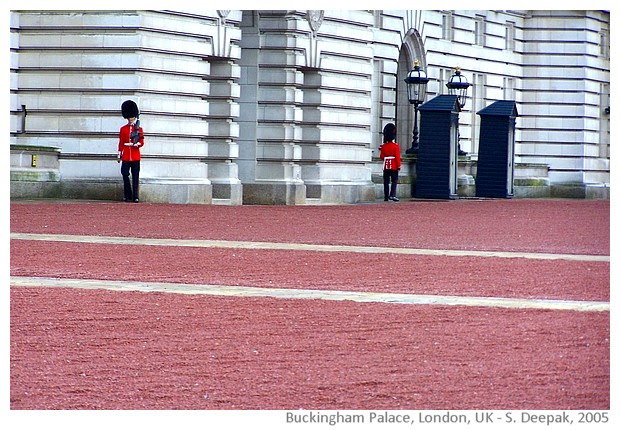 Around Buckingham Palace, London UK - images by Sunil Deepak, 2005