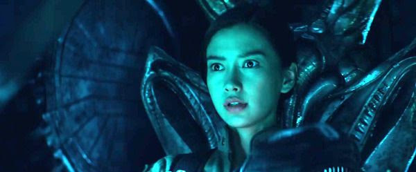 Rain (Angelababy) confronts the new alien attackers in INDEPENDENCE DAY: RESURGENCE.